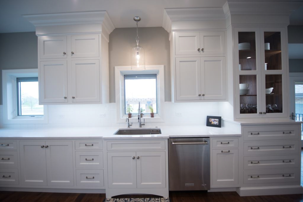 Customized modern kitchen cabinetry in Kansas