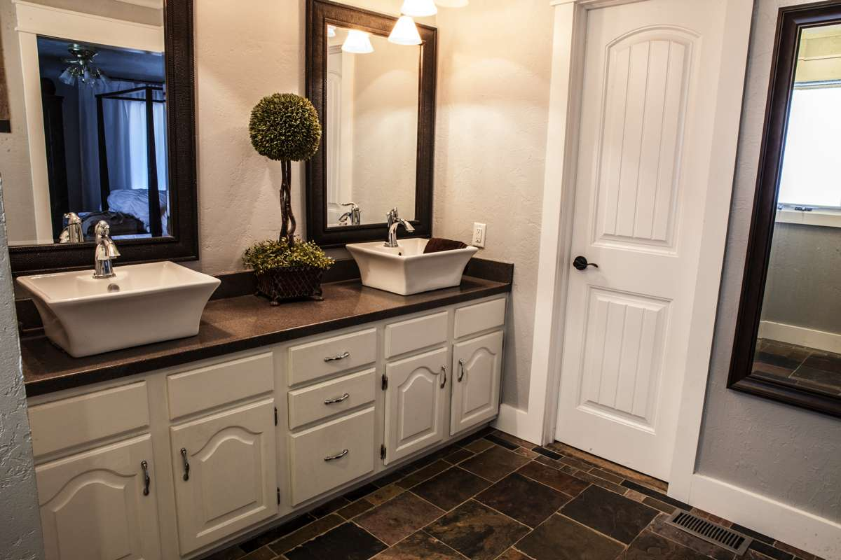 Custom bathroom cabinets in Kansas