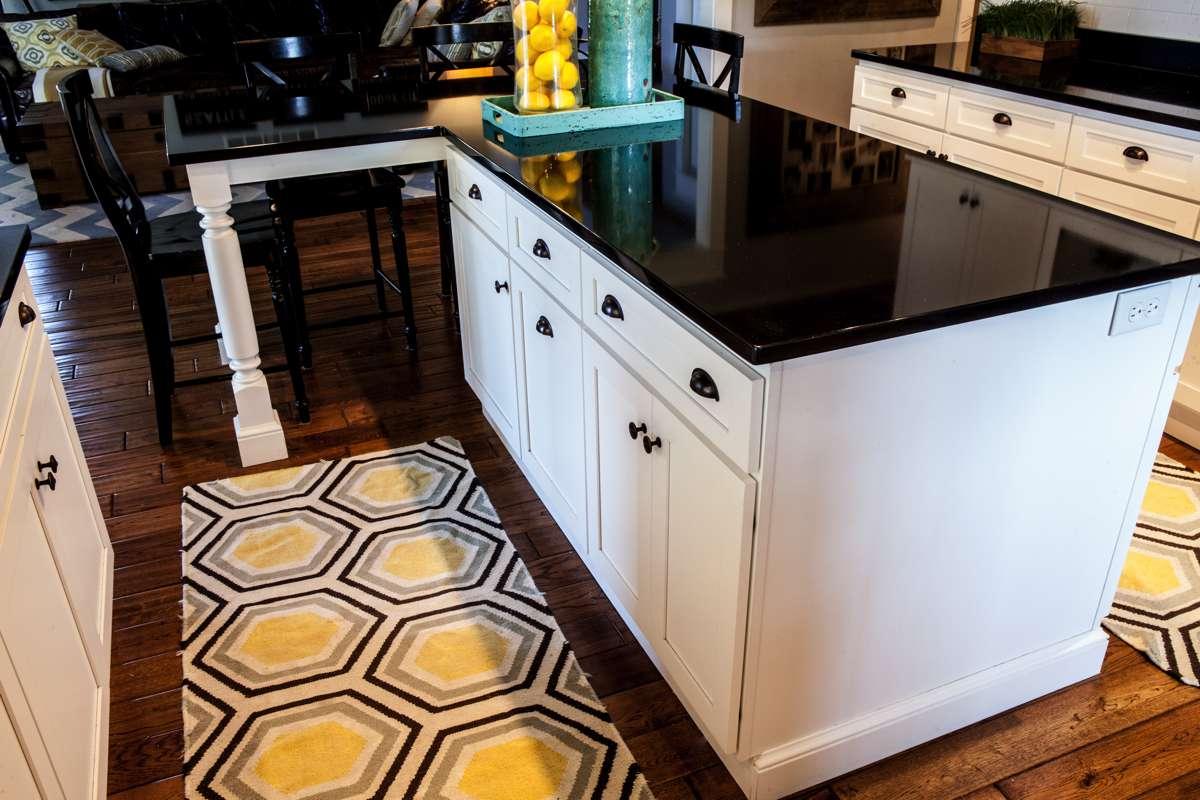 Custom kitchen cabinets in Kansas